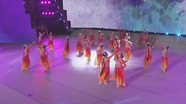 京腔京韵 西城区第二文化馆舞蹈队带您一起《逛北京》