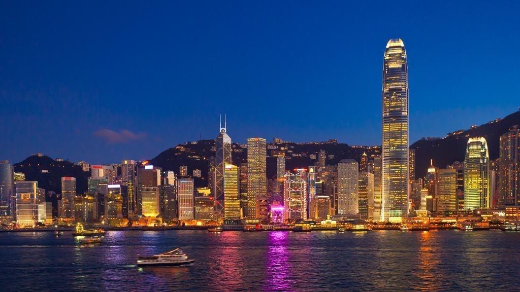 让香港走出泛政治化和暴力泥沼