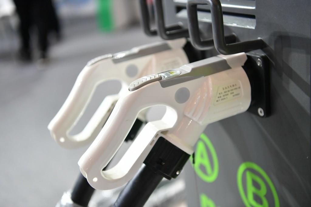 小鹏汽车与蔚来NIO Power达成充电合作,互相打通充电网