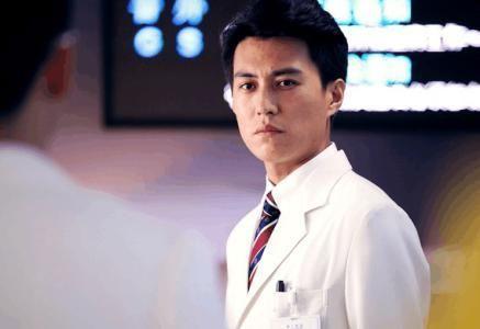 靳东荣获年度电视剧男演员,却被粉丝模仿不要提醒胡歌感人军旅剧图片