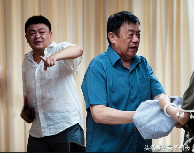 而高明的儿子高亮也是一位演员,曾为总政话剧团演员,因在电视剧《中国老谭电视剧全集图片