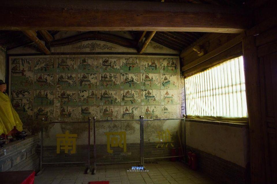 除日月宫为砖砌洞外,其余均为木结构.由此可见,麻雀虽小,五脏俱全.