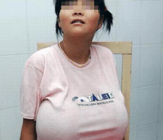 13岁同学胸部大的异常,嘲笑女生受尽,手术过后女孩老实人图片
