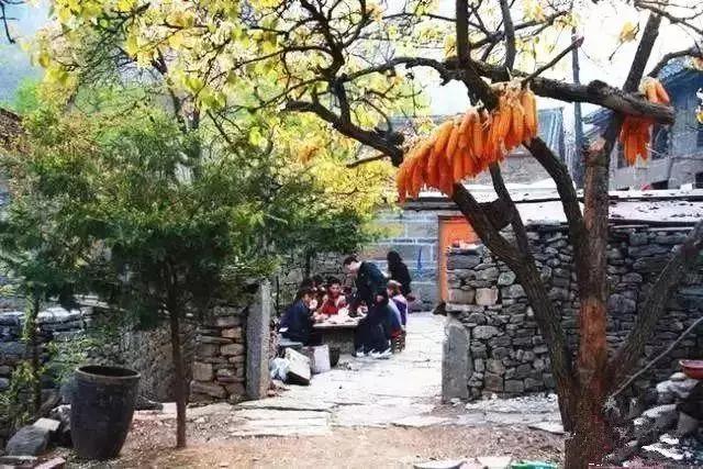 抱犊村,隶属于山西省晋城市陵川县古郊乡,位于新乡辉县与山西陵川县