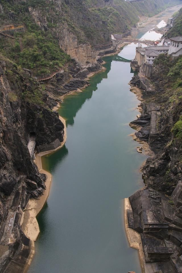 石门栈道风景区是汉中著名风景区,为国家aaaa级旅游景区,位于汉中市