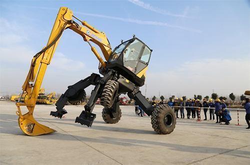 中国徐工研发的et110步履式挖掘机的变形能力绝对不输于大黄蜂.图片