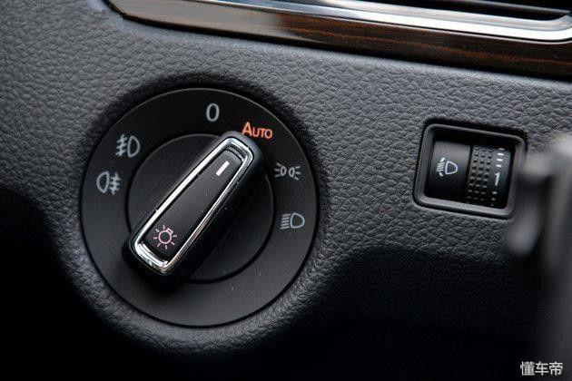 车子的灯光按钮图解