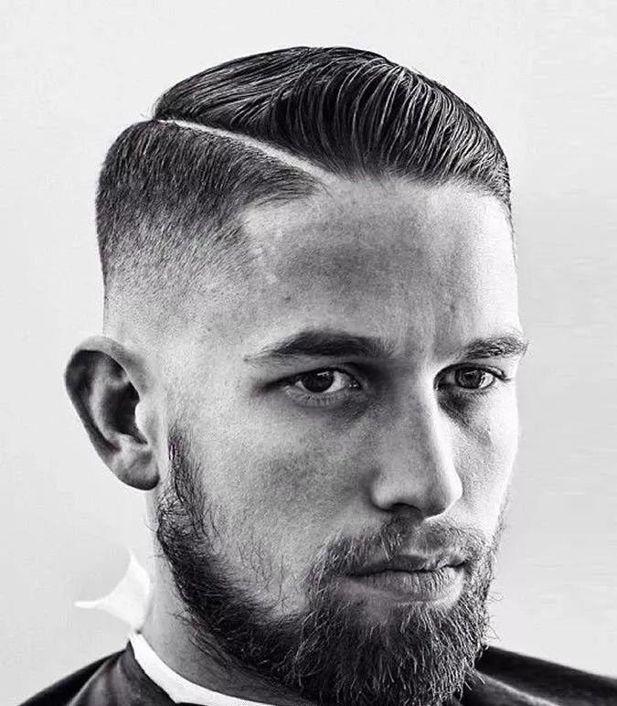 欧美28分油头发型图片_侧分油头又被称为旁分油头,是一种古典又绅士的发型,在国外也非常的