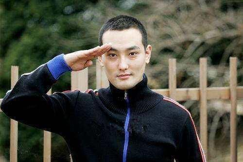 明星变寸头发型:韩国男星现出