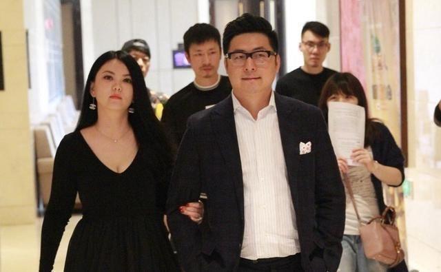 李厚霖东山再起_破产时李湘弃他而去,如今东山再起首谈李湘,让网友听傻了眼!