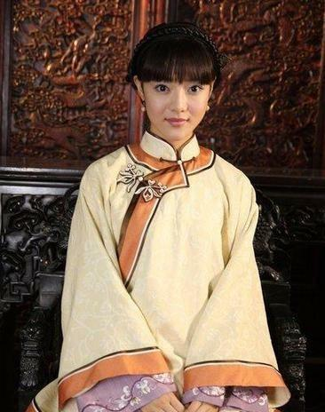 《锁清秋》美女如云,她被公主宠成美女而赵丽白嫩街拍美腿老公图片