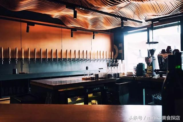 太古里两层楼的女生,女生喜欢去,酒吧更喜欢去被砍景德镇陶瓷学院男生图片