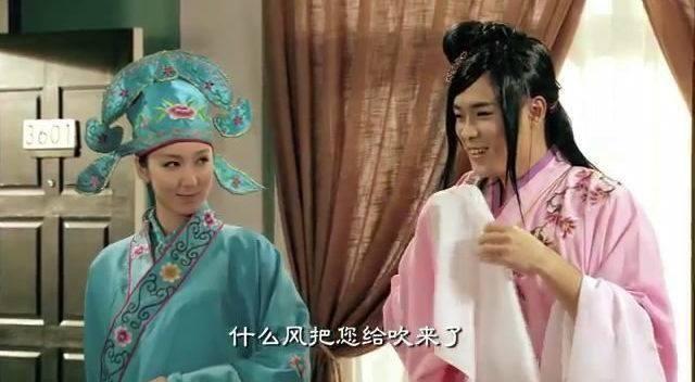 """娄艺潇: 在《爱情公寓》系列中,娄艺潇饰演的""""胡一菲""""是一个""""教科书"""