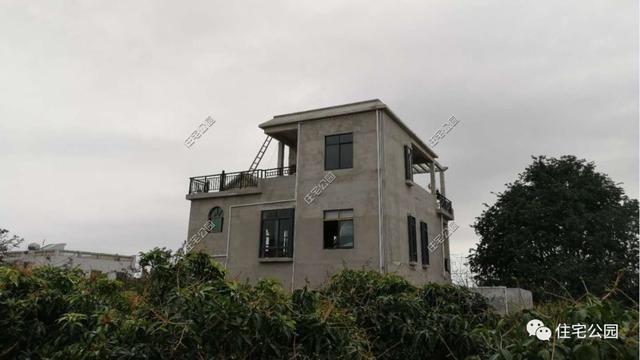 海南一农村盖别墅被台风逼停,几年后一层平房邦别墅金新鼎图片