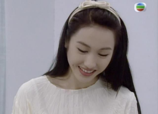 90年代香港女星发型合集,黎姿的颜值逆天,蔡少芬娇俏到炸裂图片