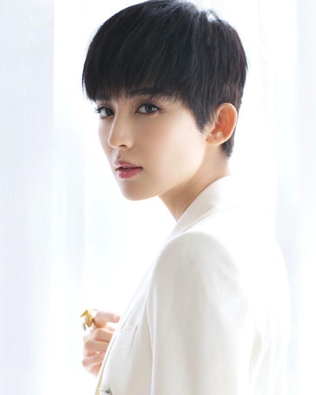 古力娜扎,1992年5月2日出生于新疆乌鲁木齐, 中国内地女演员,模特.图片
