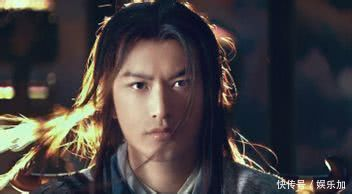 第五名:《万万没想到》马天宇饰演的慕容白因为心魔发型都换成披发了图片