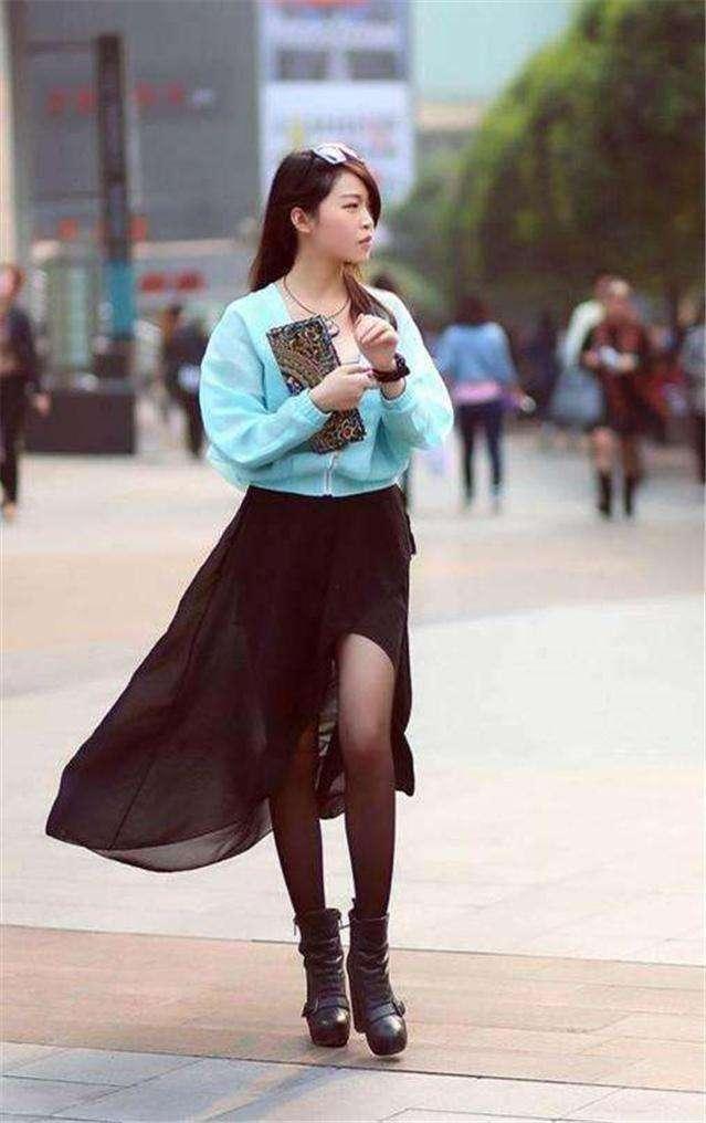 高跟丝袜岳�_街拍:到处都是丝袜高跟长腿美女,你喜欢什么类型的?
