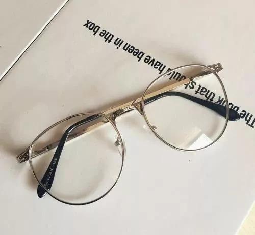 眼镜和脸型:选对遮百丑,选错毁所有