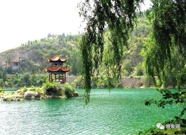 万泉湖风景区是国家4a级旅游区,位于林州市南部重镇一一临淇境内,是