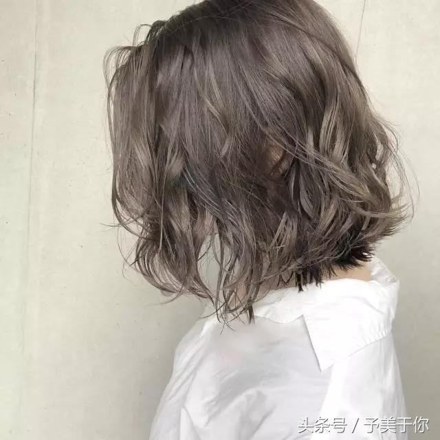 2018年流行的线条烫锁骨发,个性时尚性感撩人