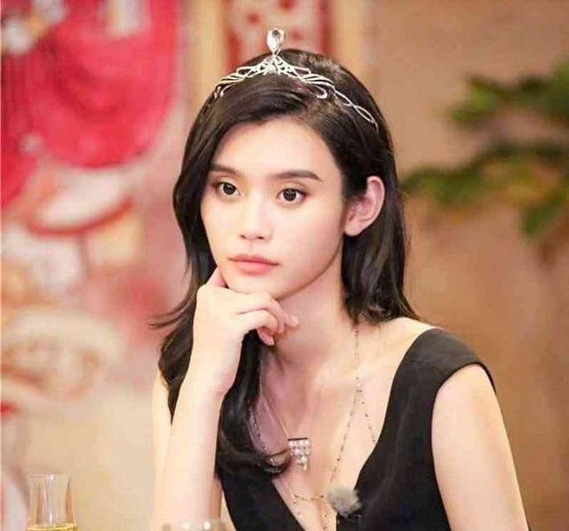 十位戴皇冠最美女星,angelababy上榜,赵丽颖第二,第一