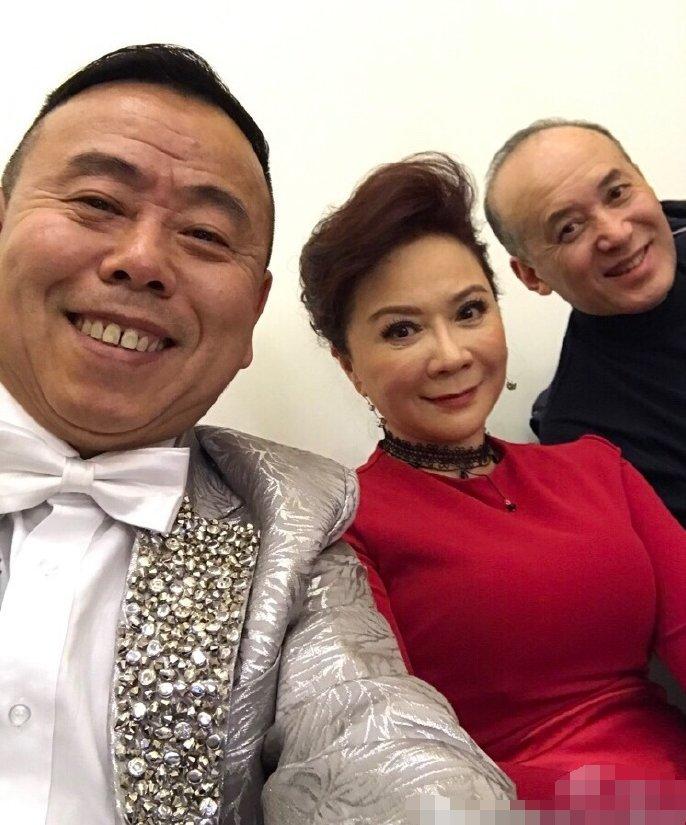 """62岁郭达,与倪萍恋爱被棒打,娶""""金不换""""的老婆,得意一"""