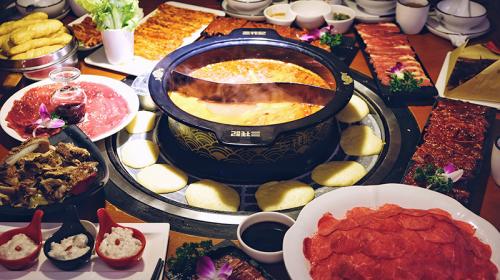 成都三牦记牦牛肉主题火锅荣获2018年度本土最佳口碑火锅品牌