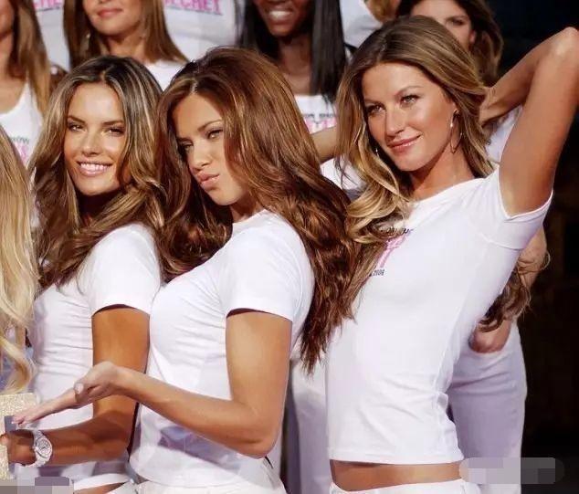 看看aa,利马和吉娘娘,巴西超模真是一流的!