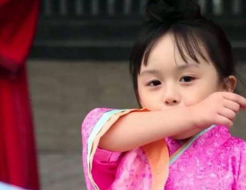 刘楚恬在古装传奇剧芈月传里面饰演小芈月而被观众所熟知.