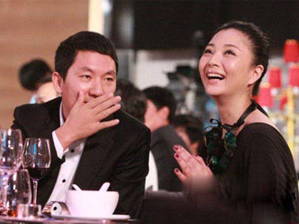 40岁殷桃近照,被富豪老公独宠两年,已经二嫁,依如少女