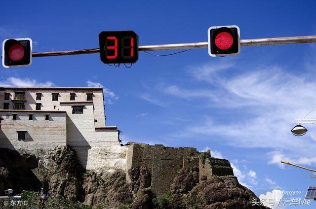 路口遇到红灯到底能不能右转?知道这些就不怕罚款扣分