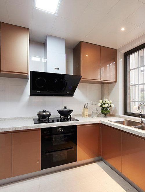 现代家居厨房烤漆橱柜效果图