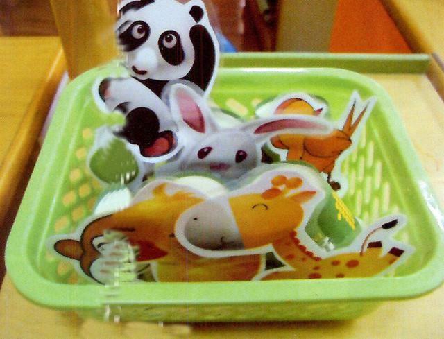 幼儿园小班区角活动主题:花花衣之找影子,动物拼图,动物找家