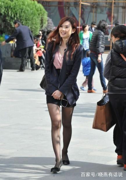 色中色制服丝袜_街拍:图4丝袜跟制服搭配起来真是极品,图5出门又不穿