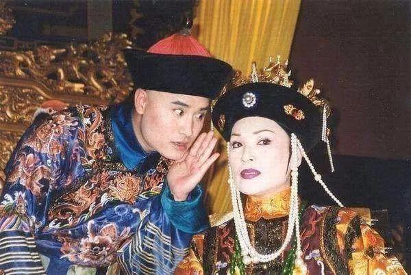 2001年,她主演黄晓明参演的电视剧《天子太后》,饰演窦大汉爱奇艺电视剧《风筝》图片