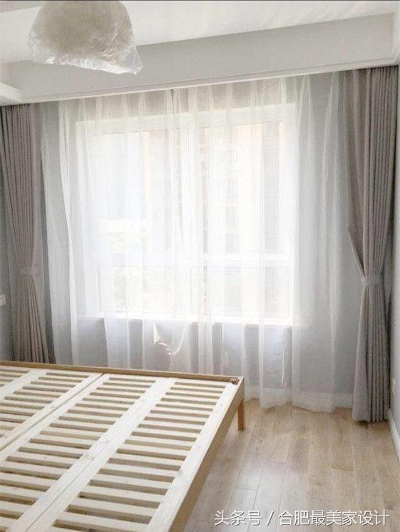 主臥室的裝修,灰白色的窗簾,非常的現代時尚,我喜歡灰白的搭配.