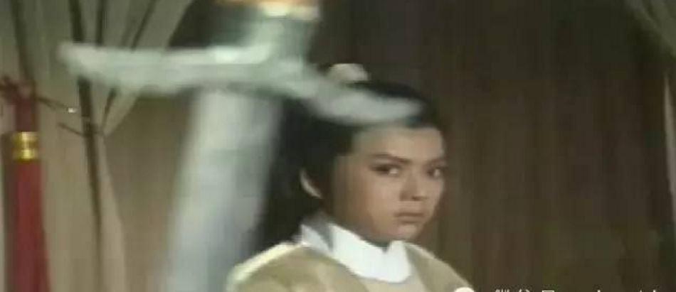 """《浣花洗剑录》中,他是""""方宝玉""""张国荣最敬佩的大侠——紫衣侯."""