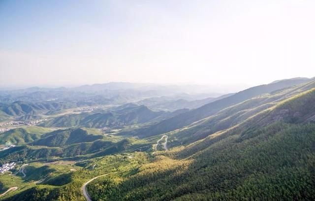 距离南昌仅一小时,这座被三清山掩盖多年的仙山,终于藏不住了!