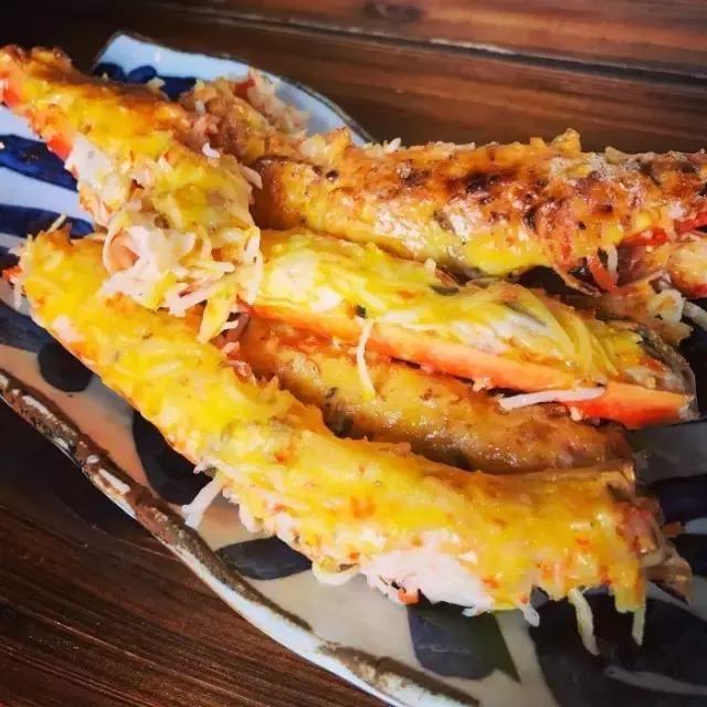 招牌美食:冰火菠萝油 人均:96元 地址:恒隆广场6楼 锡座创作海鲜料理