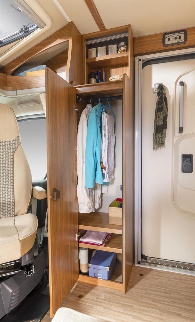 德国原装进口 caradot132型房车,额定乘员4人,床位数2