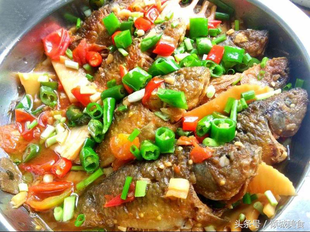 广西特色家常菜:酸辣酿禾花鱼