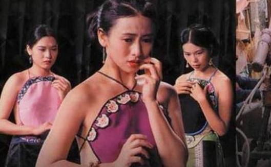 这部电影是翁虹经典的电影之一,她饰演的是楼中女子,因为不服从