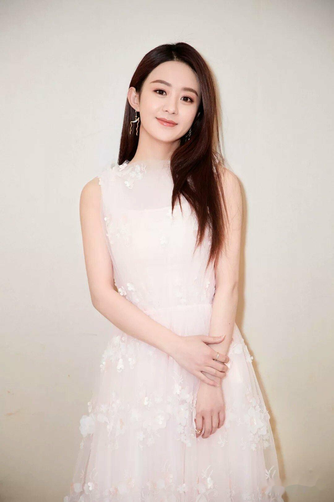 赵丽颖穿过最美的六套长裙,其中两套连铁粉都没见过!
