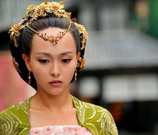 古装发型:四海八荒的第一美人杨幂,没想到也有这样丑的发型,与白浅的
