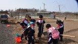 邯山区:春风中他们与美丽乡村牵手