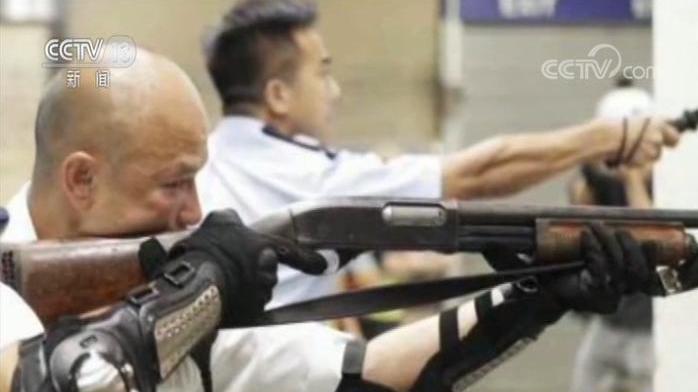 光头警长刘Sir:不到万不得已 我不会把枪指向他们