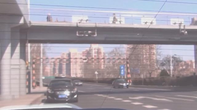 《红绿灯》20200328躲避限行套牌车被处罚