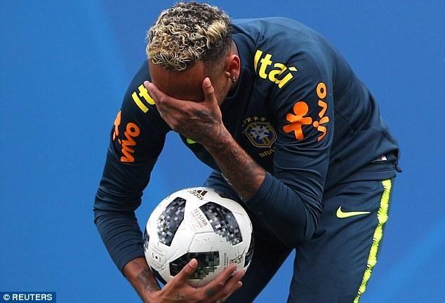 突发!巴西头牌内马尔因伤退出训练场 世界杯他