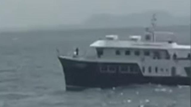127名中国游客遭遇游船倾覆